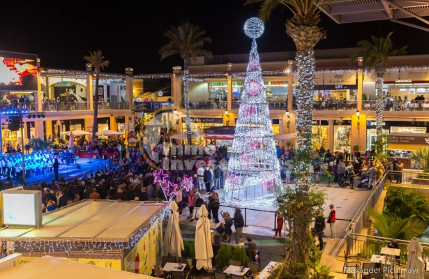 A beautiful Christmas at La Zenia Boulevard, Costa Blanca, Spain