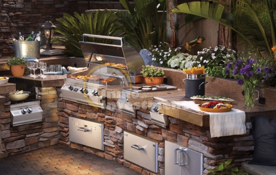 Summer kitchens, cooking outdoors in Spain