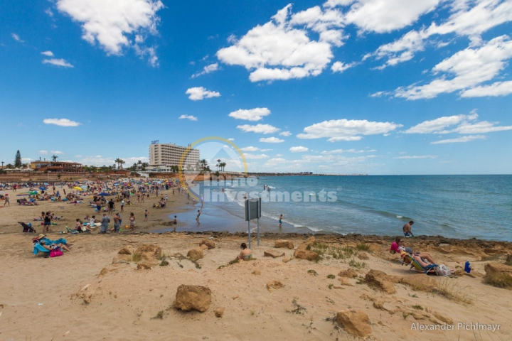 Costa Blanca beaches retain Blue Flag awards