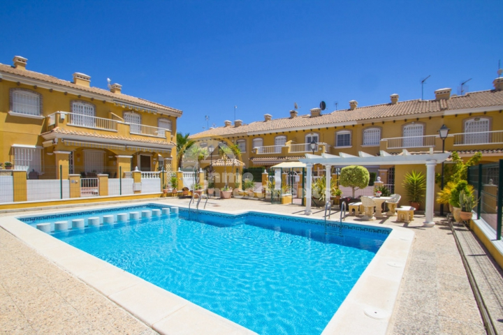 Your place in the Costa Blanca sun: home or away?